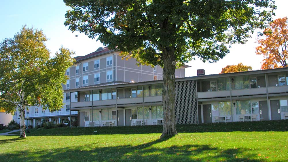 Hotel Rooms with Patios & Decks on Lake George at the Fort William Henry Resort